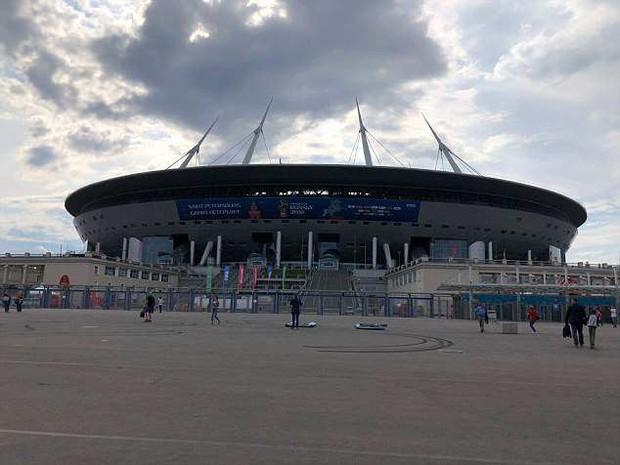 Cách giờ khai mạc chỉ một ngày, sân vận động World Cup của Nga vẫn chưa xây xong - Ảnh 3.