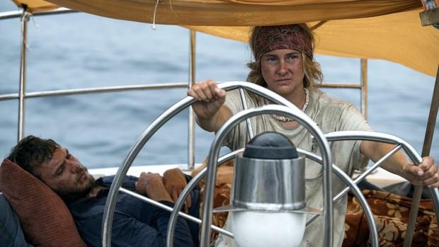 Có một nàng Rose giành lại chàng Jack từ biển trong phiên bản Titanic thuyền buồm Adrift - Ảnh 2.