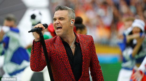 Robbie Williams đốt nóng sân vận động, khai mạc World Cup 2018 - Ảnh 2.