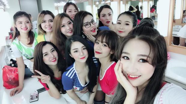 Hot girl cổ vũ World Cup có 10X Hưng Yên nổi tiếng với ảnh ngủ gật - Ảnh 4.
