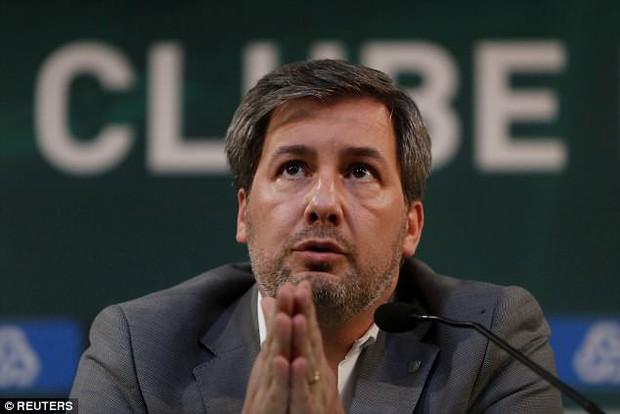 Sau Tây Ban Nha, nội bộ Bồ Đào Nha cũng gặp vấn đề - Ảnh 3.