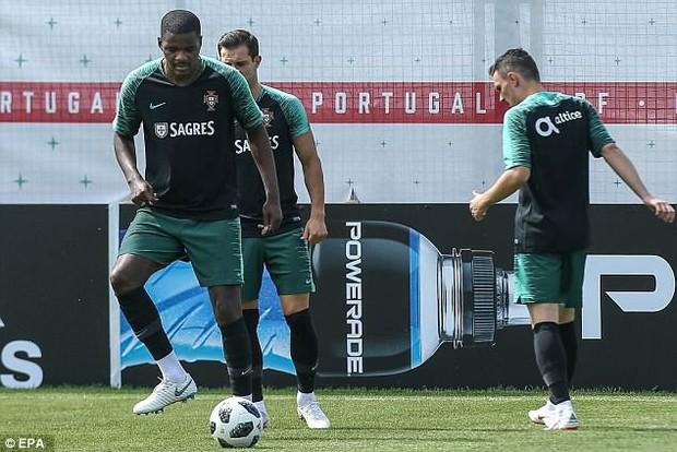 Sau Tây Ban Nha, nội bộ Bồ Đào Nha cũng gặp vấn đề - Ảnh 2.