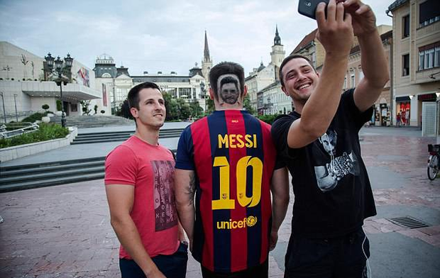 Kiểu tóc mang gương mặt Messi gây sốt vì quá chất - Ảnh 3.