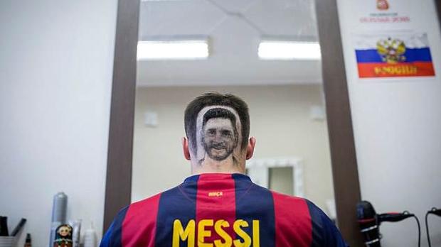 Kiểu tóc mang gương mặt Messi gây sốt vì quá chất - Ảnh 1.