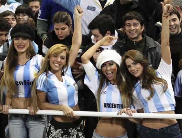 Hàn Quốc và những quốc gia có fan nữ nóng bỏng và cuồng nhiệt nhất World Cup - Ảnh 7.