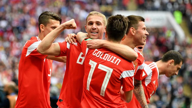 Trai đẹp Golovin tỏa sáng, giúp Nga thắng đậm trận khai màn World Cup 2018 - Ảnh 3.