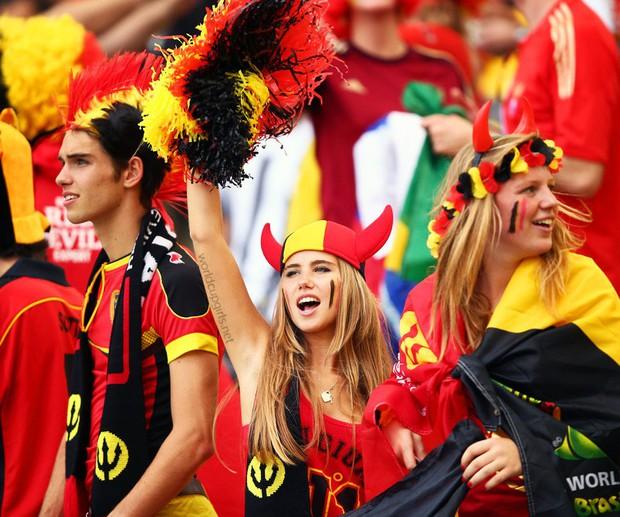 Hàn Quốc và những quốc gia có fan nữ nóng bỏng và cuồng nhiệt nhất World Cup - Ảnh 3.