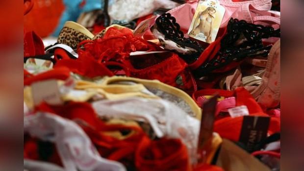 6 điều tưởng như bình thường nhưng sẽ khiến bạn gặp rắc rối ở Nga: Cấm mặc quần lót ren, lười rửa xe sẽ bị phạt tiền - Ảnh 4.