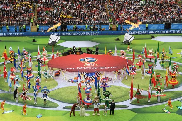 Robbie Williams đốt nóng sân vận động, khai mạc World Cup 2018 - Ảnh 3.