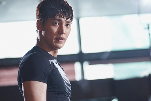 Ai cũng choáng khi biết tuổi thật của mỹ nam thủ vai anh trai Park Seo Joon trong Thư Ký Kim - Ảnh 2.