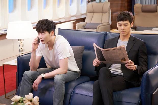 Ai cũng choáng khi biết tuổi thật của mỹ nam thủ vai anh trai Park Seo Joon trong Thư Ký Kim - Ảnh 5.