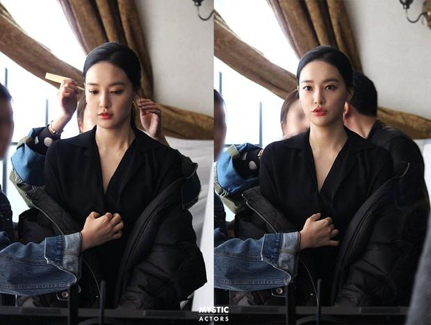 Vẫn biết bạn gái G-Dragon đẹp, nhưng không ngờ lại đến mức này trong loạt hình hậu trường - Ảnh 6.