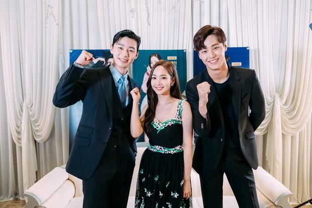 Ai cũng choáng khi biết tuổi thật của mỹ nam thủ vai anh trai Park Seo Joon trong Thư Ký Kim - Ảnh 9.