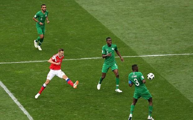 Trai đẹp Golovin tỏa sáng, giúp Nga thắng đậm trận khai màn World Cup 2018 - Ảnh 4.