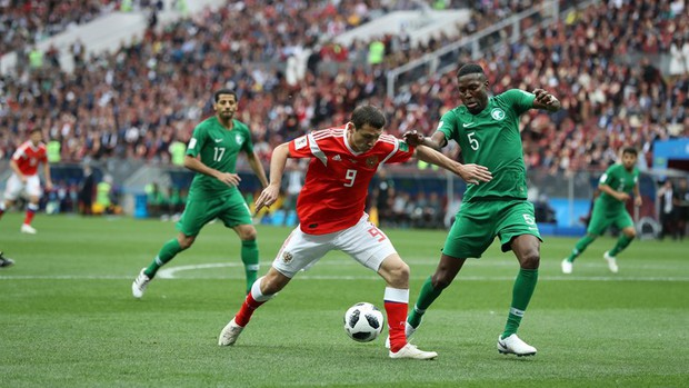 Trai đẹp Golovin tỏa sáng, giúp Nga thắng đậm trận khai màn World Cup 2018 - Ảnh 2.