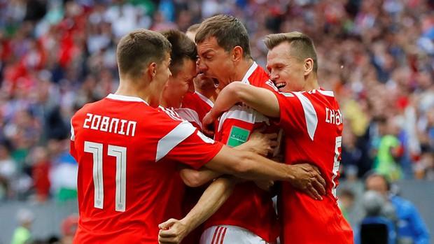 Trai đẹp Golovin tỏa sáng, giúp Nga thắng đậm trận khai màn World Cup 2018 - Ảnh 8.