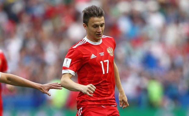 Radar trai đẹp World Cup: Trai trẻ số 17 của đội tuyển Nga vừa đá hay vừa điển trai, mắt buồn gây thương nhớ - Ảnh 2.