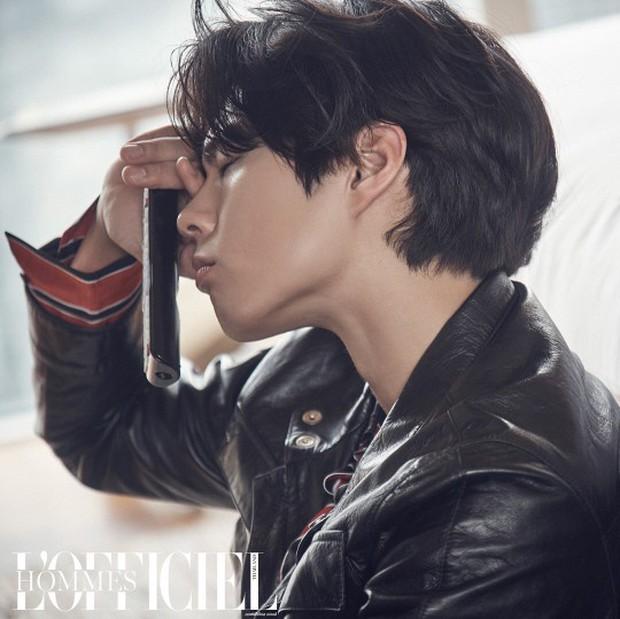 Cùng ngày 3 nam thần xứ Hàn đổ bộ tạp chí: 2 tài tử đẹp cực phẩm, center quốc dân cười thôi cũng gây mệt tim - Ảnh 3.