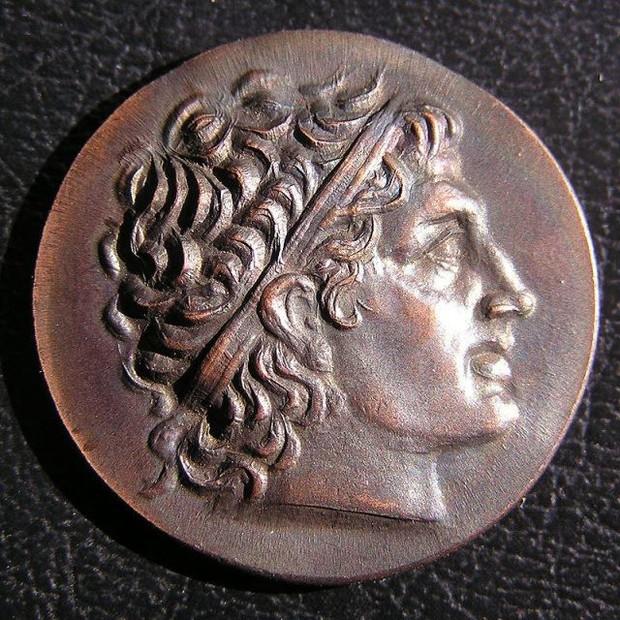 Vị vua La Mã nhọ nhất hành tinh: cố tình kết liễu đời mình bằng thuốc độc nhưng cơ thể lại kháng độc - Ảnh 2.