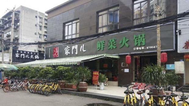 Đưa ra siêu khuyến mãi 440k ăn cả tháng, nhà hàng lẩu Trung Quốc phá sản sau 2 tuần - Ảnh 1.