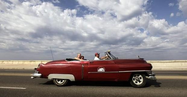Ảnh: Vẻ đẹp hớp hồn của các xe ô tô cổ trên các góc phố nẻo đường Cuba - Ảnh 10.