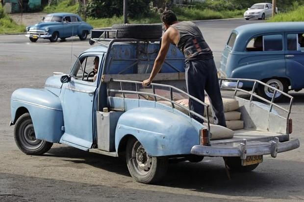 Ảnh: Vẻ đẹp hớp hồn của các xe ô tô cổ trên các góc phố nẻo đường Cuba - Ảnh 17.