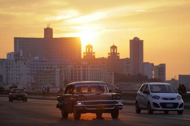 Ảnh: Vẻ đẹp hớp hồn của các xe ô tô cổ trên các góc phố nẻo đường Cuba - Ảnh 19.