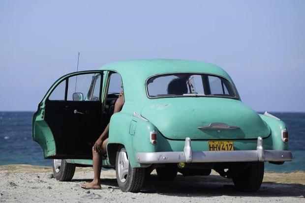 Ảnh: Vẻ đẹp hớp hồn của các xe ô tô cổ trên các góc phố nẻo đường Cuba - Ảnh 9.