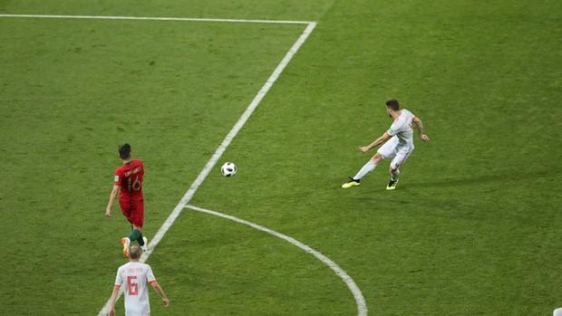 Bồ Đào Nha 3-3 Tây Ban Nha: Cả thế giới ngả mũ thán phục Ronaldo - Ảnh 11.
