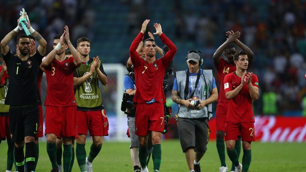 Bồ Đào Nha 3-3 Tây Ban Nha: Cả thế giới ngả mũ thán phục Ronaldo - Ảnh 15.