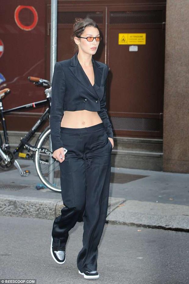 Thiếu photoshop, vòng eo và đôi chân của Kendall - Bella có còn đẹp xuất sắc như ảnh tạp chí? - Ảnh 1.