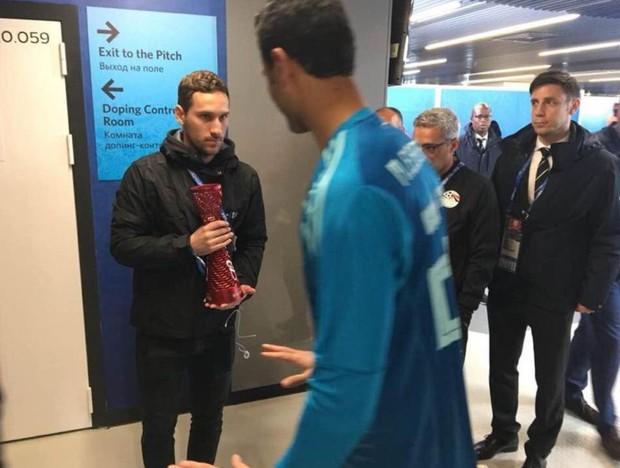 Chuyện lạ World Cup: Thủ môn Ai Cập từ chối nhận giải Cầu thủ hay nhất trận - Ảnh 2.