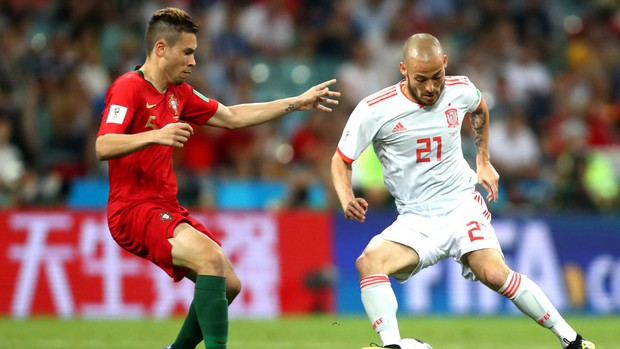 Bồ Đào Nha 3-3 Tây Ban Nha: Cả thế giới ngả mũ thán phục Ronaldo - Ảnh 2.