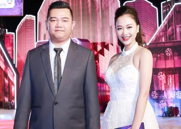 Học trò Đàm Vĩnh Hưng bất ngờ kết hôn với quản lý sau 3 năm công khai hẹn hò - Ảnh 5.