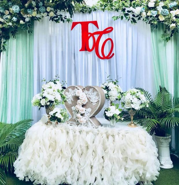 Học trò Đàm Vĩnh Hưng bất ngờ kết hôn với quản lý sau 3 năm công khai hẹn hò - Ảnh 2.