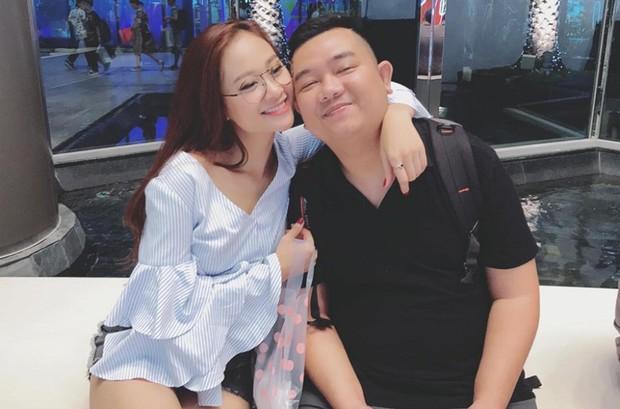 Học trò Đàm Vĩnh Hưng bất ngờ kết hôn với quản lý sau 3 năm công khai hẹn hò - Ảnh 3.