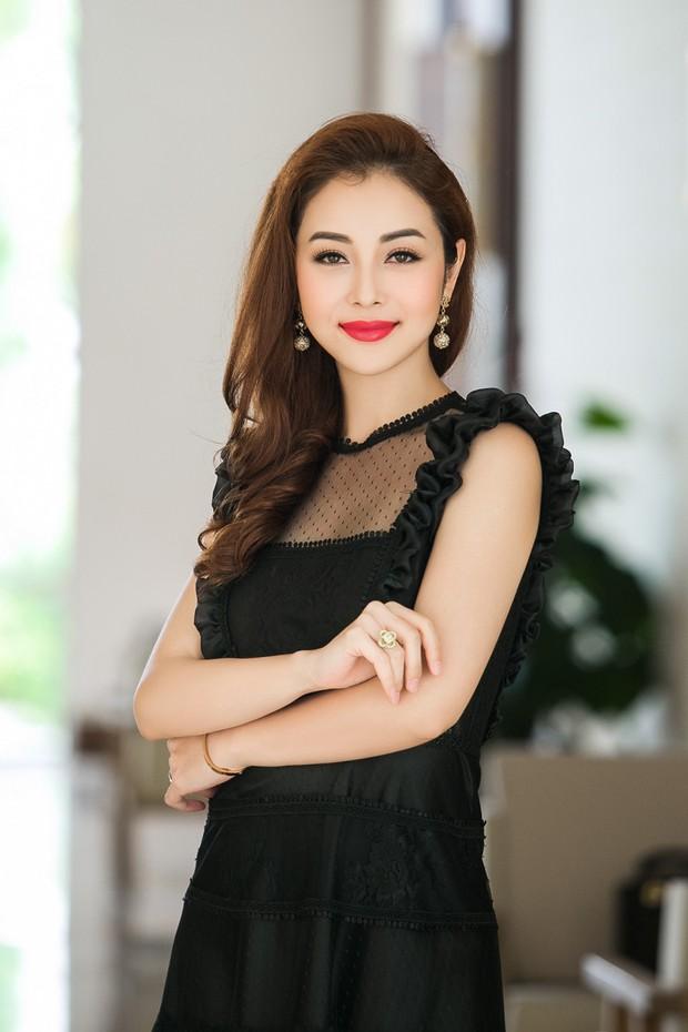 Bà mẹ ba con Jennifer Phạm gây chú ý với nhan sắc trẻ trung, quyến rũ ở độ tuổi 32 - Ảnh 2.