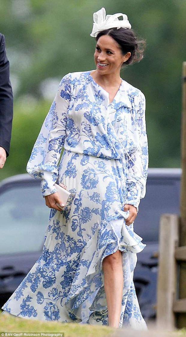 Đám cưới đặc biệt nhất hôm nay: cô dâu đeo vương miện của công nương Diana, Meghan Markle diện váy hơn trăm triệu tham dự - Ảnh 6.