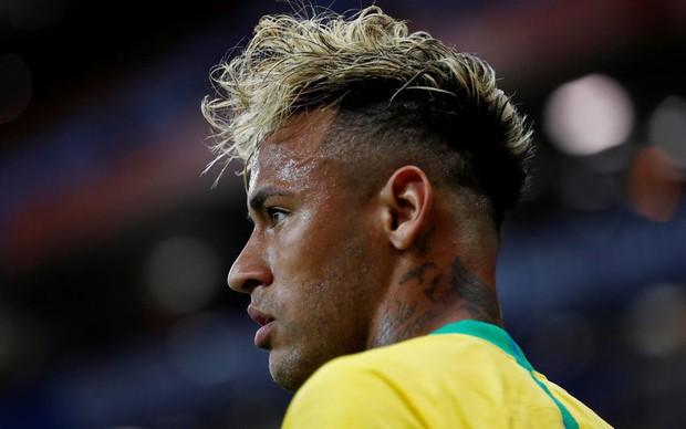 Chơi nhạt nhòa, Neymar bị chế nhạo vì mái tóc quá điệu đà - Ảnh 6.