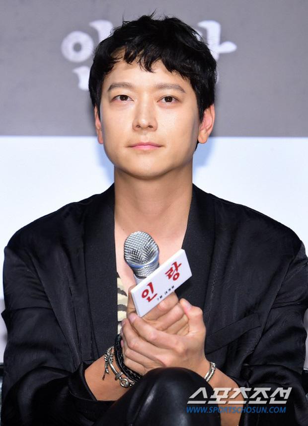 Sự kiện hội tụ dàn sao VIP cực phẩm: Minho nổi bật hơn hẳn 2 thánh sống xứ Hàn, Han Hyo Joo mắt sưng vù kém sắc - Ảnh 9.