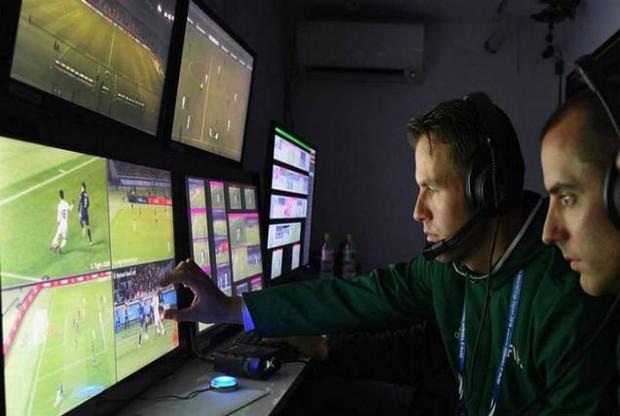 Toàn cảnh vận hành công nghệ VAR của World Cup 2018: Nơi đưa ra những phán quyết sinh sát quyền lực nhất - Ảnh 7.