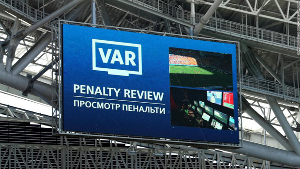 Toàn cảnh vận hành công nghệ VAR của World Cup 2018: Nơi đưa ra những phán quyết sinh sát quyền lực nhất - Ảnh 17.