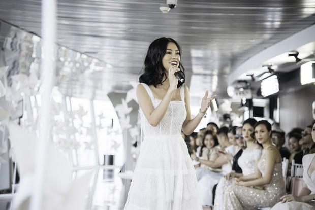 Thí sinh Sing My Song làm mới sáng tác riêng cho show thời trang của NTK Chung Thanh Phong - Ảnh 4.