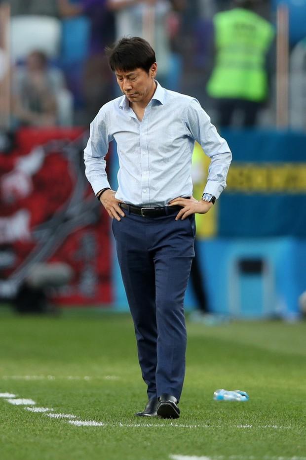 Cầu thủ Hàn Quốc đổ gục xuống sân sau trận thua đau ngày ra quân ở World Cup 2018 - Ảnh 6.