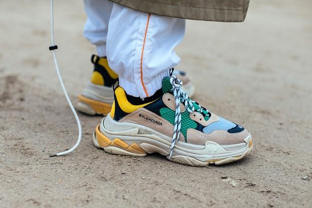 Hỏi nhanh: Đã bao giờ bạn được chiêm ngưỡng một đôi sneaker dị dạng thế này chưa? - Ảnh 3.