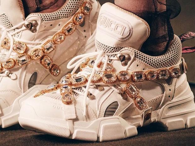 Hỏi nhanh: Đã bao giờ bạn được chiêm ngưỡng một đôi sneaker dị dạng thế này chưa? - Ảnh 4.