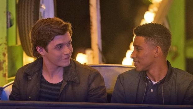Màn khóa môi đẫm tình trai trong Love, Simon được giải Nụ hôn đẹp nhất năm tại MTV 2018 - Ảnh 4.