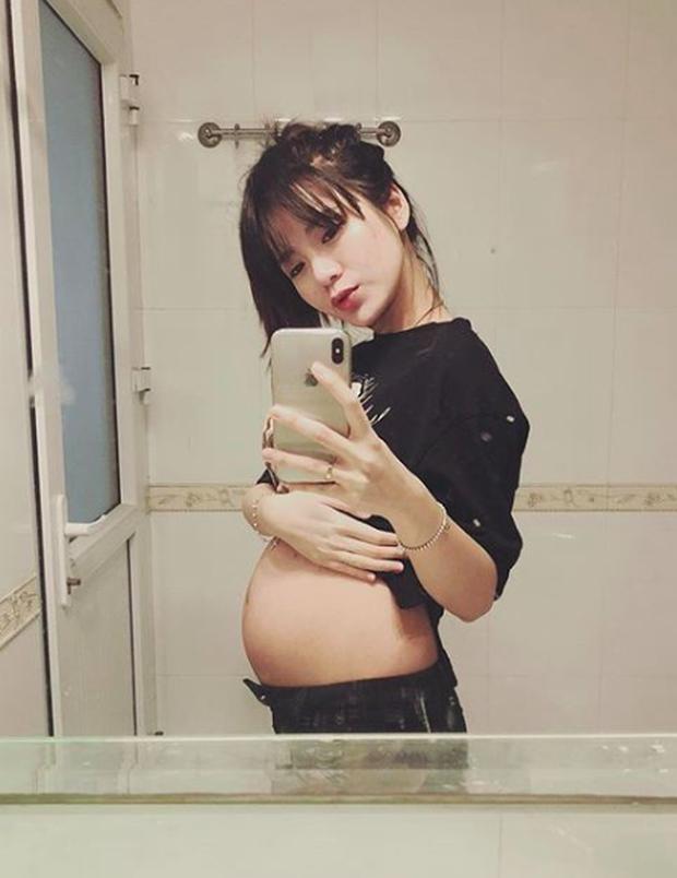 Chỉ một tháng sau khi sinh em bé, hotgirl Tú Linh đã lấy lại vóc dáng thon thả đáng mơ ước - Ảnh 2.