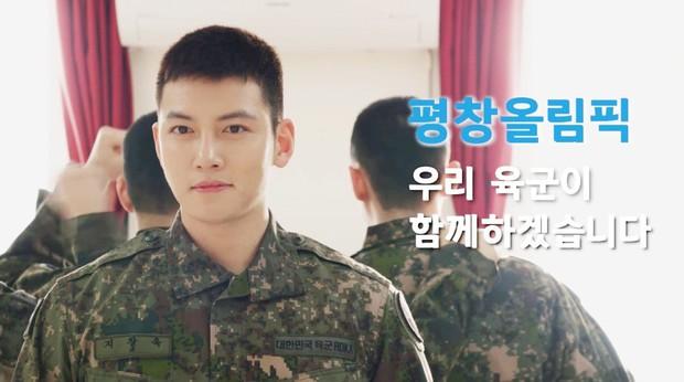 Dàn mỹ nam xứ Hàn khi vào quân ngũ: Người đẹp xuất sắc như đóng phim, kẻ xập xệ đến mức khó nhận ra - Ảnh 5.
