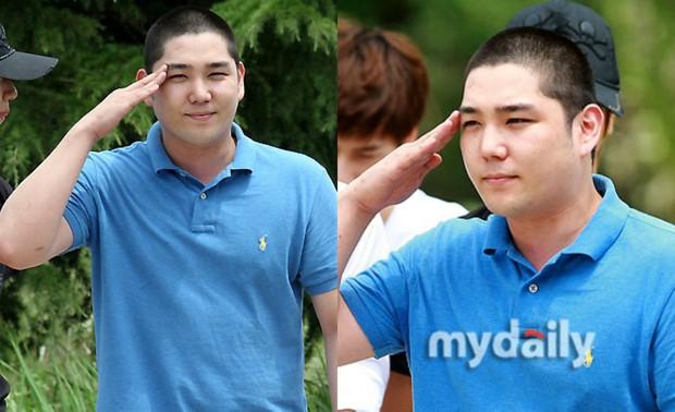 Dàn mỹ nam xứ Hàn khi vào quân ngũ: Người đẹp xuất sắc như đóng phim, kẻ xập xệ đến mức khó nhận ra - Ảnh 26.